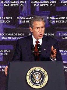 [George W. Bush auf der Netzbuch Wahlkampf-Veranstaltung]