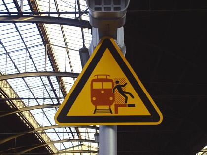 Bild: Piktogramm auf dem Hauptbahnhof Wiesbaden