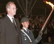 Rudolf Scharpings Verabschiedung, Bildzitat von Spiegel Online